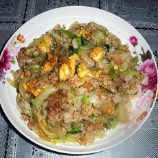 黄瓜包菜丝炒饭的做法步骤